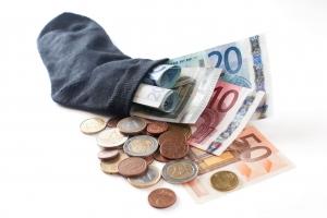 Nechce vám půjčit banka? Vyzkoušejte půjčky bez registru.